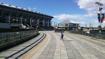 日産ウォーターパーク お盆700人待ちの入場規制に注意【夏休み混雑状況】新横浜