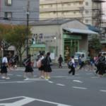 斜め横断する日本人が増加中「えっ?斜め横断が基本でしょう?」